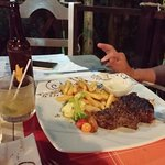 """French fries and beef """"bavette"""". Awwwwwww..."""