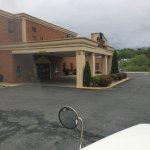 The entrance. It's a nice hotel very accommodating for truckers. Easy on an off access to I 64 I