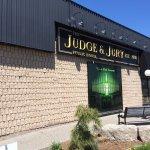 Foto de Judge and Jury