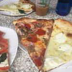 Foto di Joe's Pizza - Carmine St