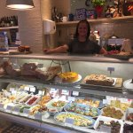 Fresh homecooked meals, delicious anti-pasti & mouthwatering cakes and pastries!