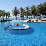 Aerated pool for a refreshing swim