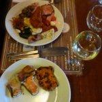 Вино Токай, жареная рыба, сыры, оленьи медальоны
