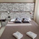 Hotel Ambassadeurs Photo