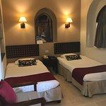 Zimmer im Sultan Bey und Blick über den Pool