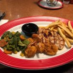 Tenesee Chicken with fries