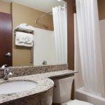 Photo de Microtel Inn & Suites by Wyndham Sidney