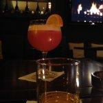 Lauschig, die sehr schöne kleine Bar des Hotels