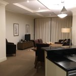 Macarthur Chambers Apartment Hotel resmi