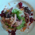 une salade magret de canard