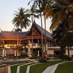 Photo de Outrigger Laguna Phuket Beach Resort
