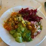 schöne frische Salate vom Buffet