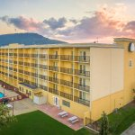 Hotel Exterior with view of beautiful Lookout Mountain