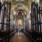 Foto de Church of the Jesuits (Universitatskirche)