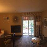 Photo de Le Montrose Suite Hotel