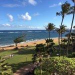 Photo de Courtyard Kaua'i at Coconut Beach