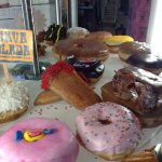 I really liked the gum doughnut, on the back left, hard to see, but the Guava doughnut was aweso