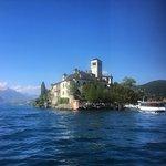 Isola di San Giulio vista dal traghetto