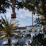 Blick von der Terrasse über den Hafen von Cala Ratjada