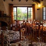 Comedor con chimenea de mesón los Canastos para bodas,comuniones,bautizos.