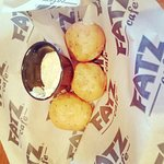 Fried green tomatoes and lobster bisque, rolls, chicken and shrimp combo so delicious!!!! You ha