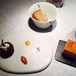 Foie gras, façon pomme d'amour cassis , coings....