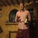 Varno explaining his Erta wine