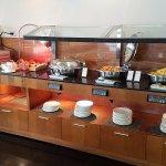 7th floor breakfast for Hilton Honors Members
