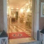 Best Location,Friendly staff, Lovely Hotel, Excellent Breakfast.