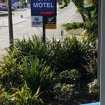 Zdjęcie Cranford Oak Motel