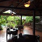 Moments restaurant, bar en tables