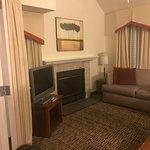 Hawthorn Suites by Wyndham St. Louis Westport Plaza Foto