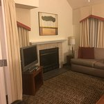 Hawthorn Suites by Wyndham St. Louis Westport Plaza Picture