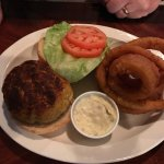 broiled crab cake sandwich with onion rings