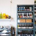 de wijnbar van FC Hyena