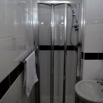 Meadfoot Single Ensuite with shower