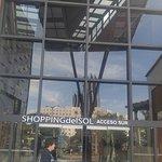 ingreso al shopping