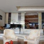 lounge con sala bar/ristorante al piano terra