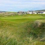 17th green at Lahinch Golf Club | Concierge Golf Ireland