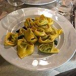Tortelloni ripieni di ricotta e spinaci, semplici e buonissimi.