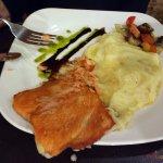 Los platos del restaurante son muy buenos y a precios razonables.