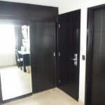 ROOM CLOSET DOORS WITH SWELLED BOTTOM
