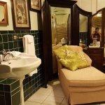 Central Park Suite bathroom