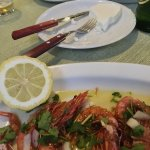 Fresh fried shrimps with fresh lamb´s cheese