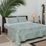 King Bed/sleeping area