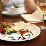 Savoury crepe composition (spinach & bolognese)