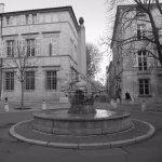 Fameuse fontaine des 4 dauphins, 2 mn de l'Hôtel