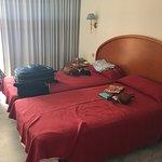 Photo de Apartamentos Oasis Benidorm