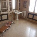 A casa de banho, com um dos primeiros aparelhos de ginástica, existentes em Portugal