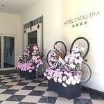 Ingresso dell'Hotel, decorazioni in omaggio al 100° Giro D'Italia